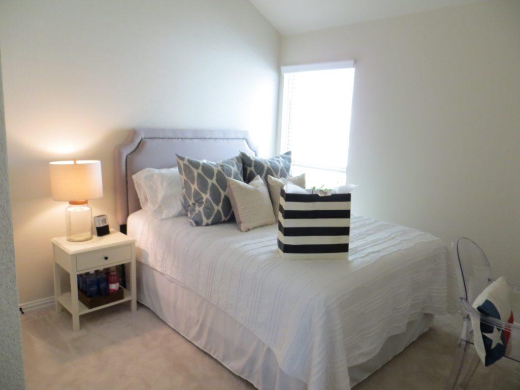 Guest Bedroom Tour   BlairBlogs.com